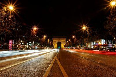 Klassenfahrten Frankreich. Paris - Arc de Triomphe