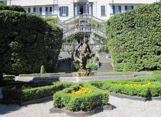 Brunnen vor der Villa Charlotta