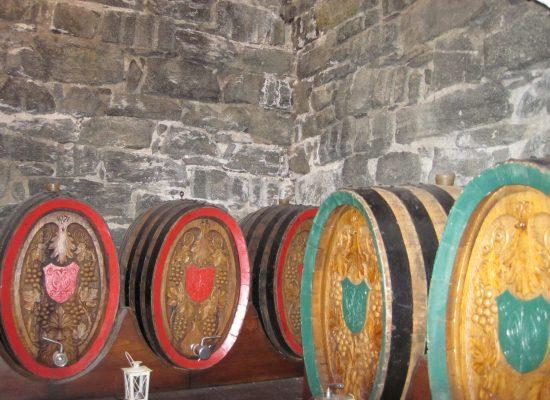 Alte Weinfässer
